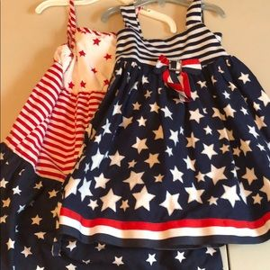 2 Fourth of July dresses size 4/4t